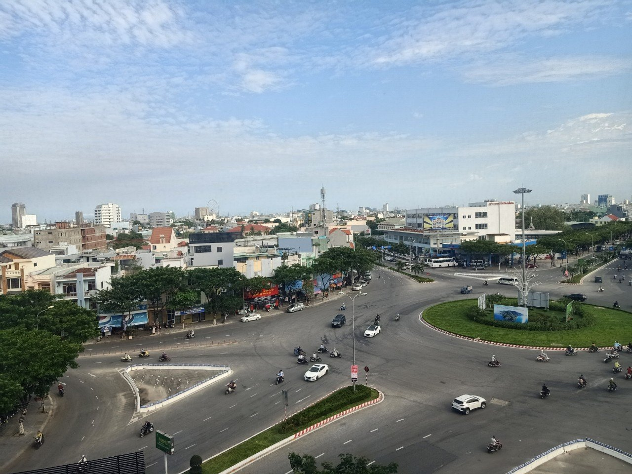 Office for lease – Great location: near Airport and Da Nang city centre – Starting from 40m2
