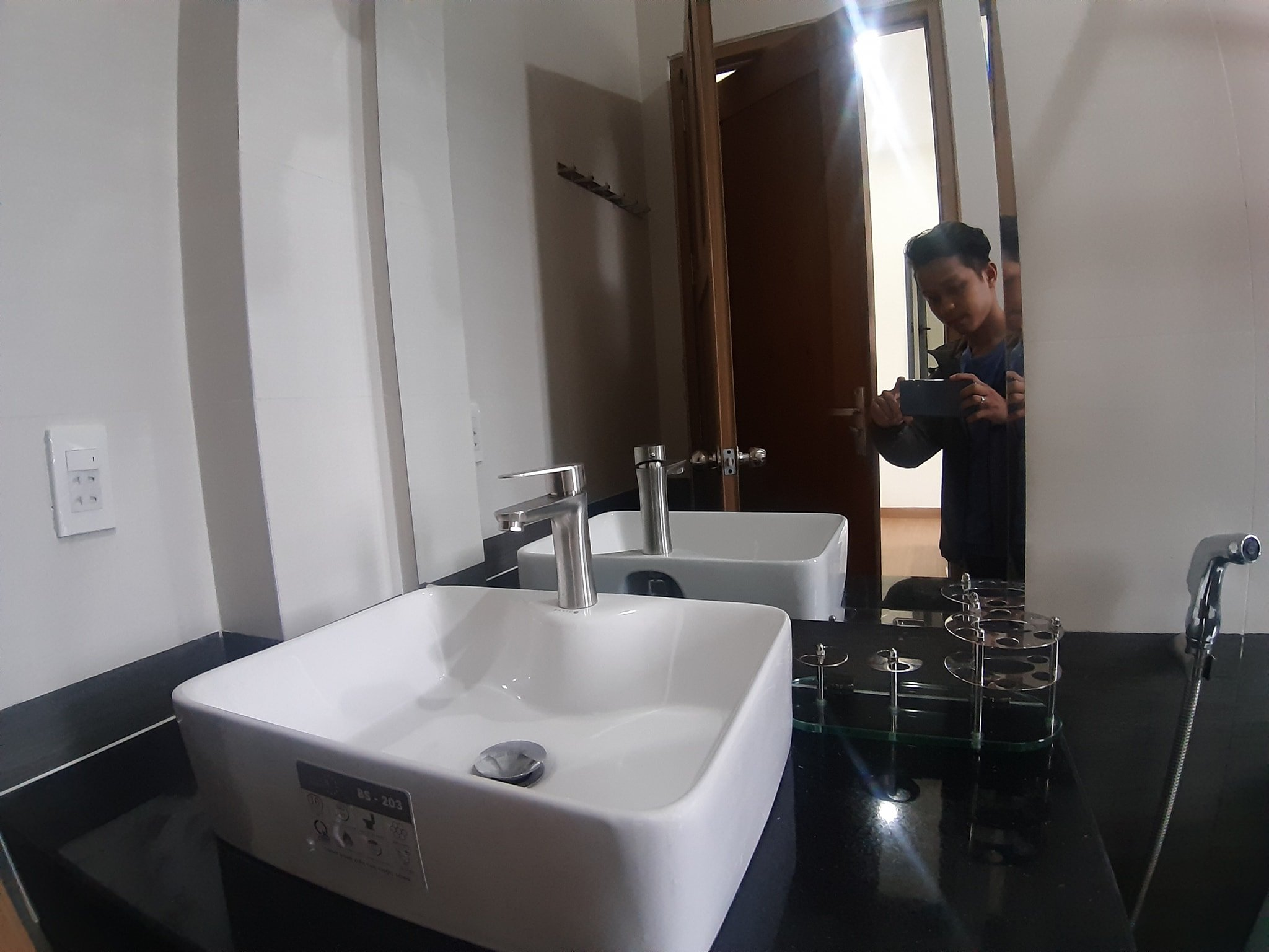 1 Bedroom Apartment for rent with Balcony close to My Khe Beach Da Nang