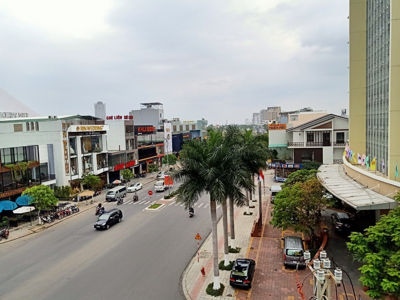 Han River View Rooftop Space For Rent Da Nang