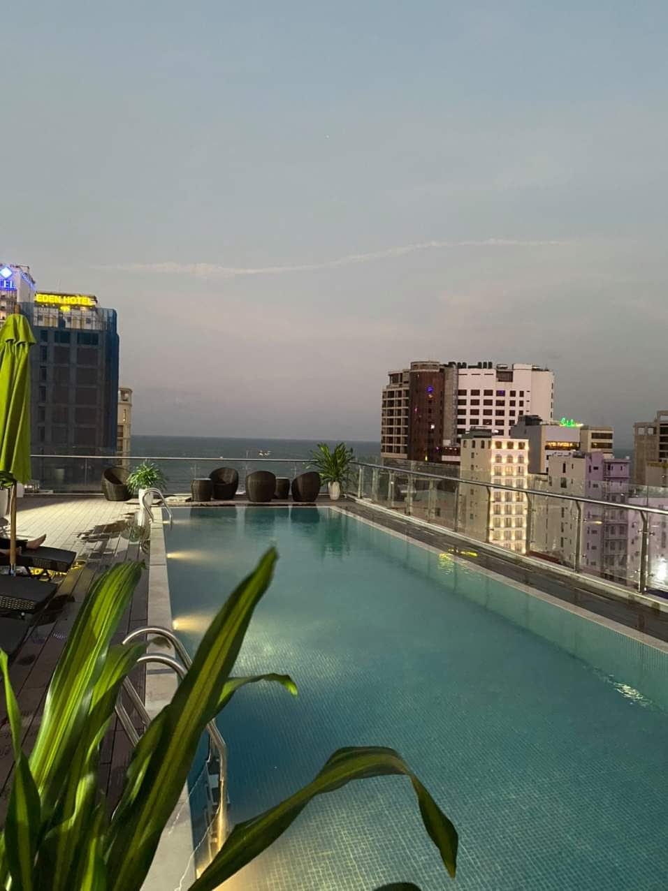 2 bedrooms apartment for rent Da Nang with swimming pool