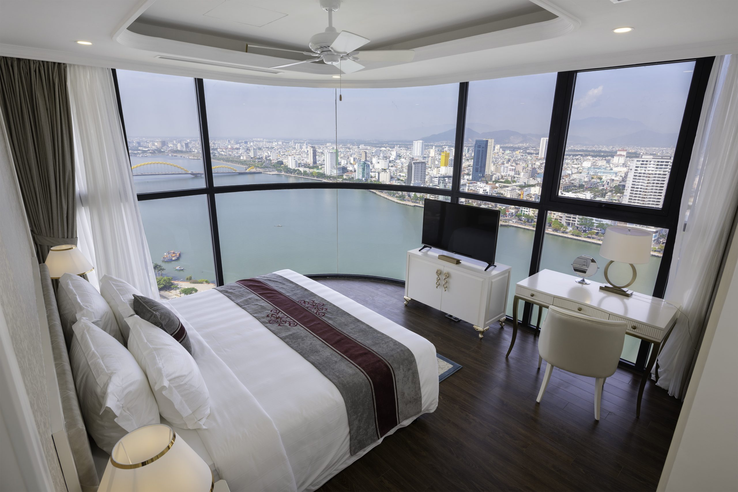 5 Star Apartment For Rent Vinpearl Codotel Riverfront Da Nang