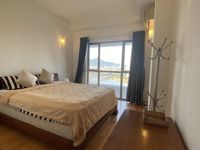 z2098315105484 3cbbdd693115371a7a506c77b0903808 Two-Bedroom Apartment with River view in City Centre