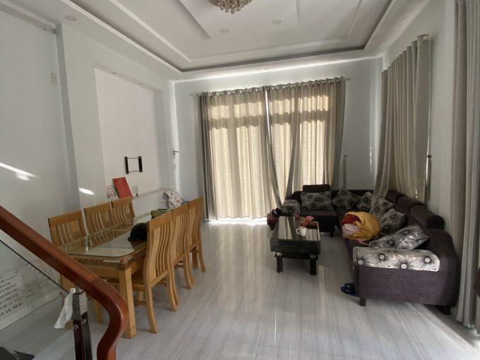 z2104777435077 e4bf3d1746088a4a7c7b7e3458c3c273 Bright Five Bedrooms House for Rent In Ngu Hanh Son Da Nang
