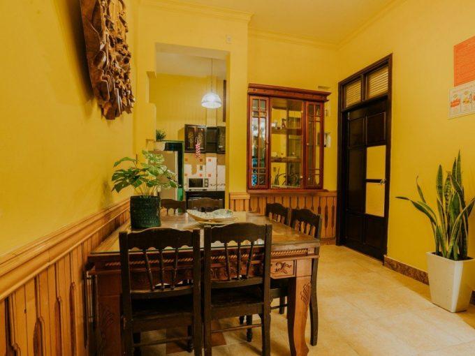 z2111631290263 320d125e8f9dbd041654a74ec14dd6bf Vintage Three Bedrooms House for rent in An Thuong Da Nang