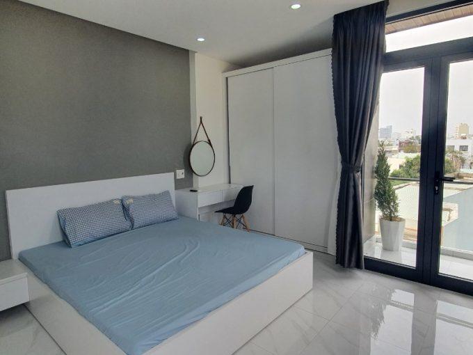 z2165459762898 d6828f8e0b9f9b2a1ba3aa8ef585b741 Contemporary Style One Bedroom Apartment For Rent in Man Thai Da Nang