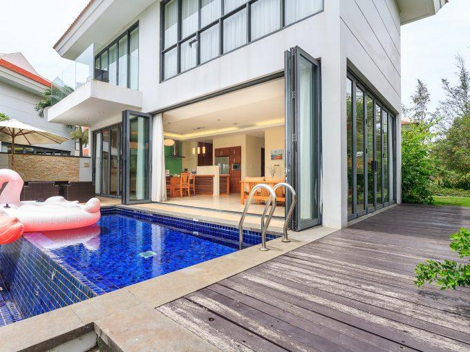 z2201202449945 9a9911b1228ff9d20a4f0e0daebea26a Three Bedrooms Villa For Rent Ocean Villa Da Nang