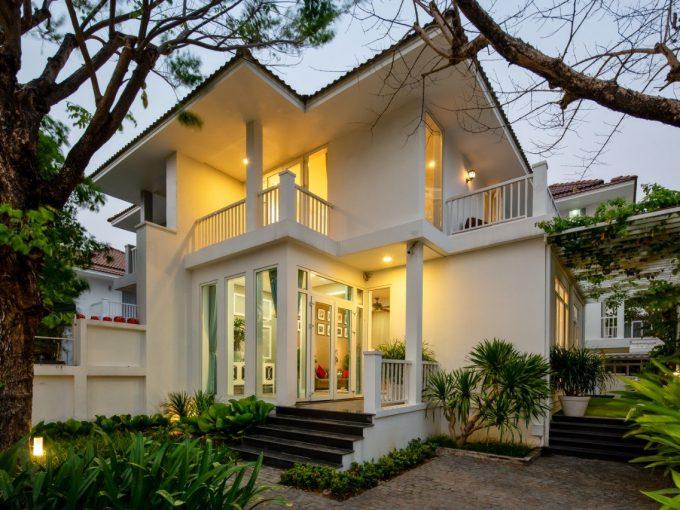 z2201203937017 2da4053f15295efd6d6b9acc49c80618 Contemporary Four Bedrooms Villa For Rent In Euro Village Da Nang