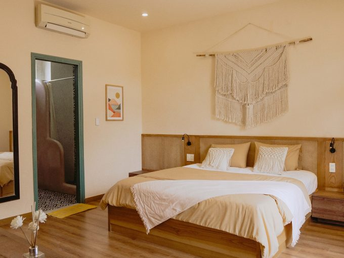 123933117 174847644267112 6633480958489032626 o Persian Style Three Bedrooms Apartment for rent near Ba Le Market Hoi An