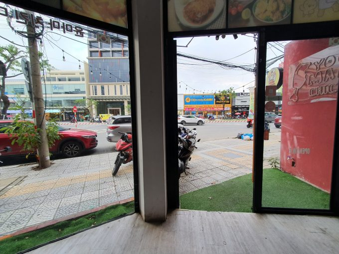 z2207640223439 096a4964dc7069d84af29d79f329ec37 Three Floors Commercial Property On Le Dinh Duong