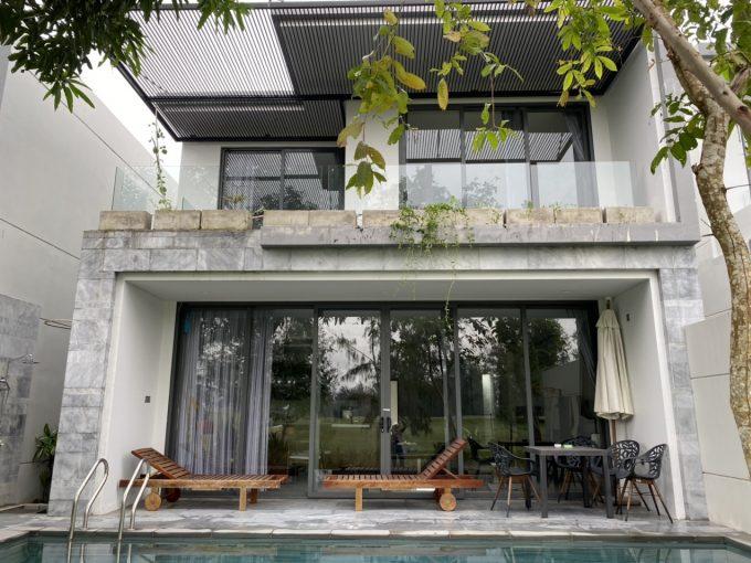 z2248892211339 931373264639b1ebbb672b5db8ae7735 Luxury Three Bedrooms Villa For Rent in The Point Villas Da Nang