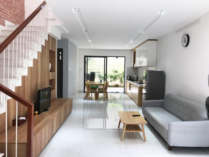z2304111286560 f4ff3f2454a8f26a424ceb00eafb7fbf Dazzling Four Bedrooms House For Rent In Hai Chau Da Nang