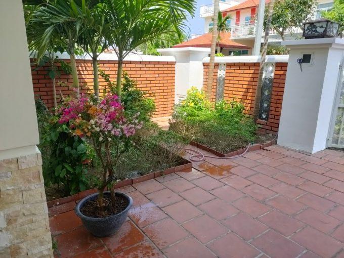 z2432227248313 9b4dcb6550cc78bc09ccc55ea7c732bd Garden Homely Four Bedrooms House For Rent Son Tra Da Nang