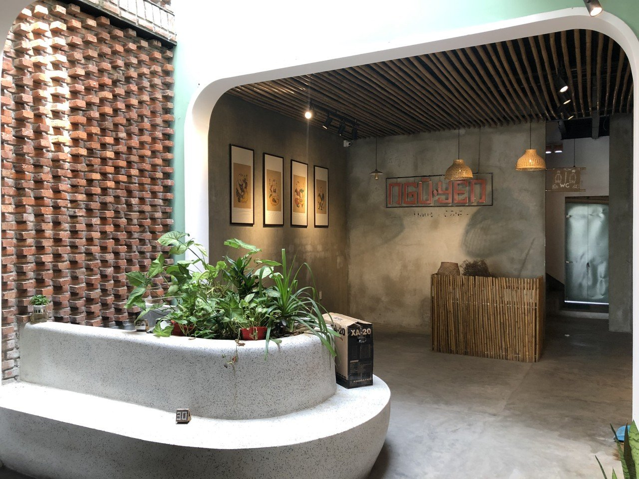 Commercial Space For Rent With Open Floor For Rent Near My Khe Beach Da Nang