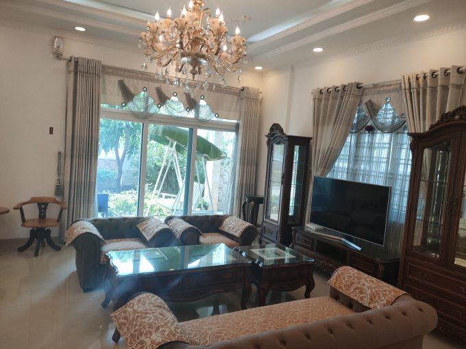 z2455070761527 765184e971db7cf93be0b520c23639b3 Generous Four Bedrooms House For Rent In Son Tra Da Nang