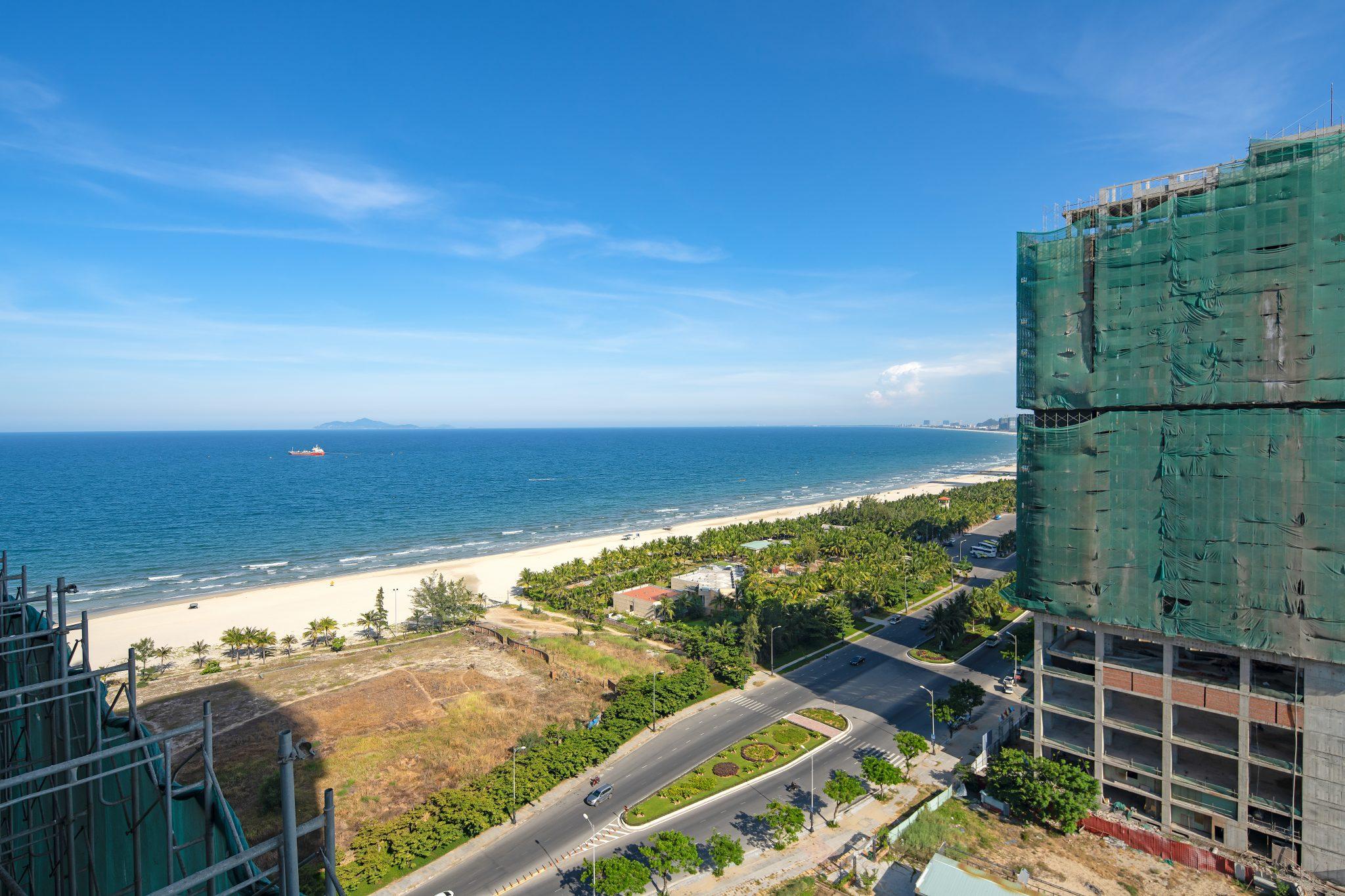 HAP9527 copy 6Nature - Danang Real Estate - Beachfront luxury condo for sale - Stunning location