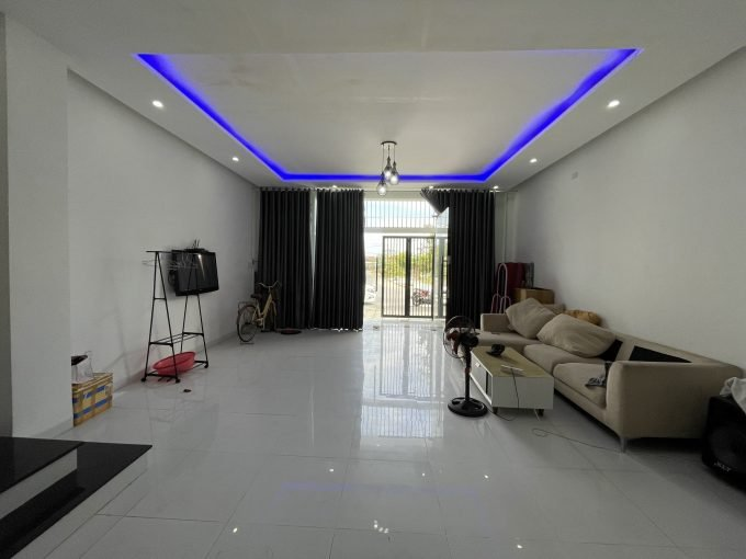 z2521992247820 c84dc9ec2cf097890756abc6938a28cf Five Bedrooms House For Rent In Khuy My Da Nang