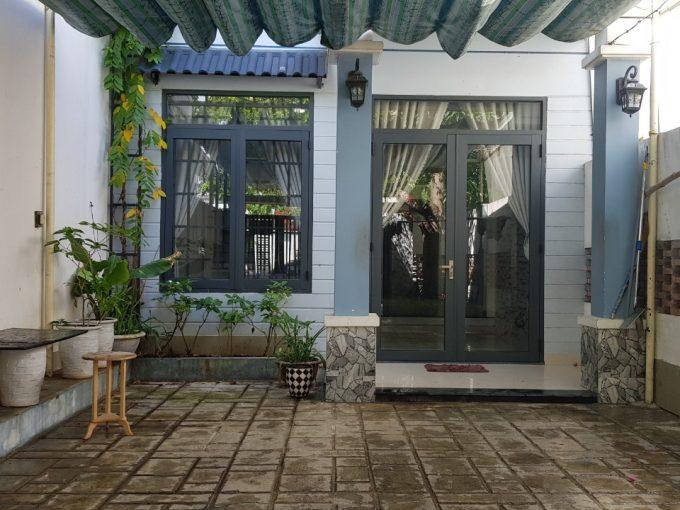 z2572455124275 c48e88127e7cffee7ba2a3d81a943d83 Big Front Yard Three Bedrooms House For Rent In Man Thai Da Nang