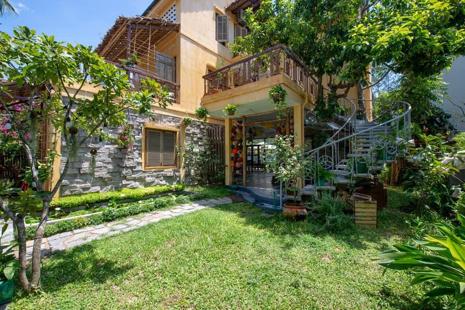 Stunning Garden Four Bedrooms Villa For Rent In An Bang Beach Hoi An