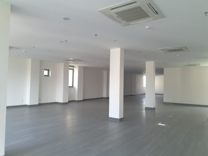 z2586804389016 f35e4a5579fc8cde7a458f4797ba515f Office Floors For Rent On Pham Van Dong Da Nang