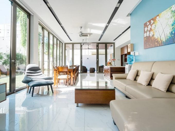 z2613230618144 65bf9eb09b59c3d558f5f425543affbe Luxurious Six Bedrooms Villa For Rent In Son tra Da Nang