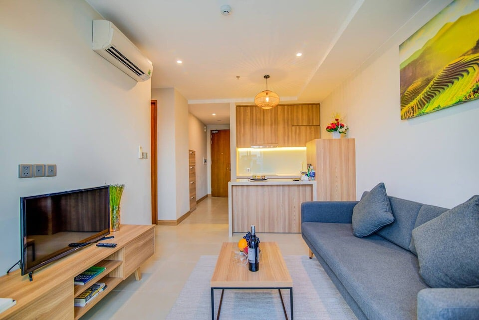 Modern 3 bedroom apartment with pool and gym in An Thuong area