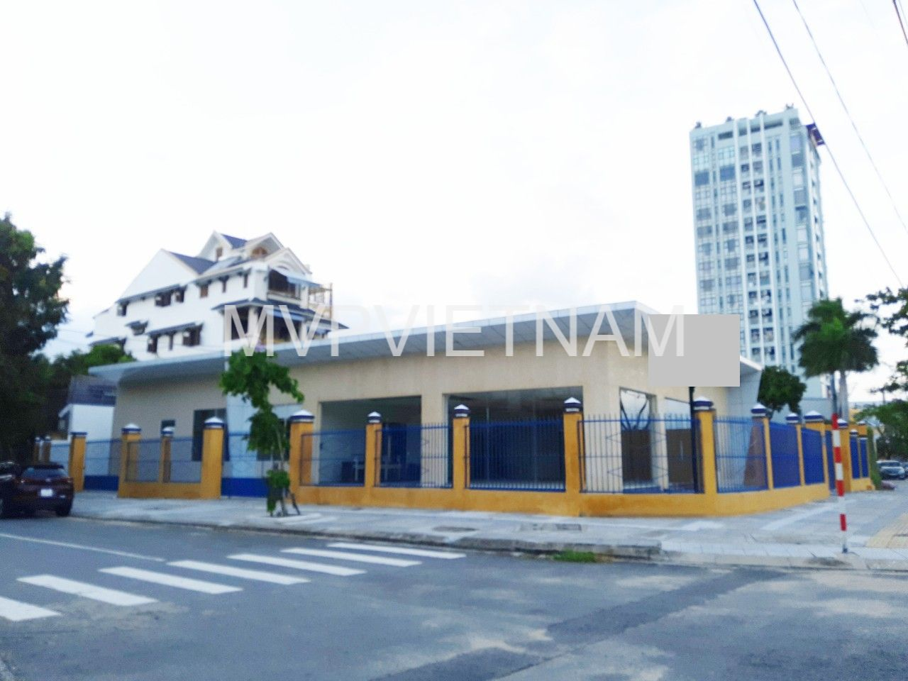 Commercial space for rent in Cam Le
