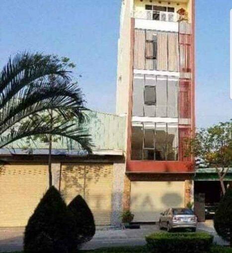 z2399915831671 12d905490a9444072bd757a062f14428 Office space in Nguyen Huu Tho street