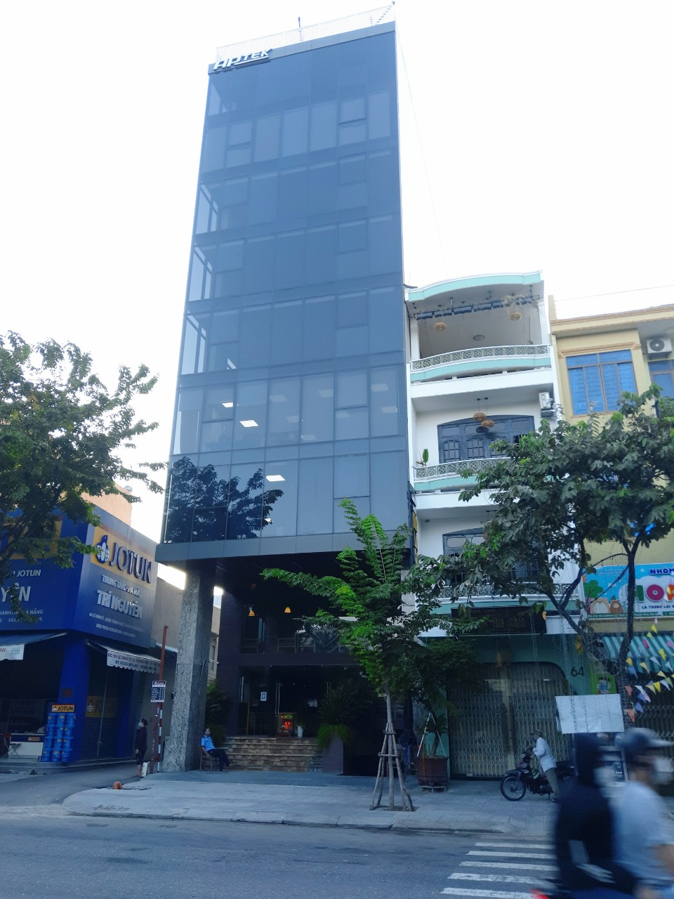 Office for rent in Da Nang, Hai Chau district –  Brand new office building